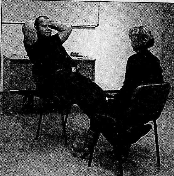 Эротическое психопрограммирование через жесты, миниатюрная брюнетка трах